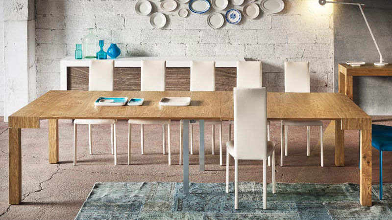P300 extendible sideboard - Luna chairs