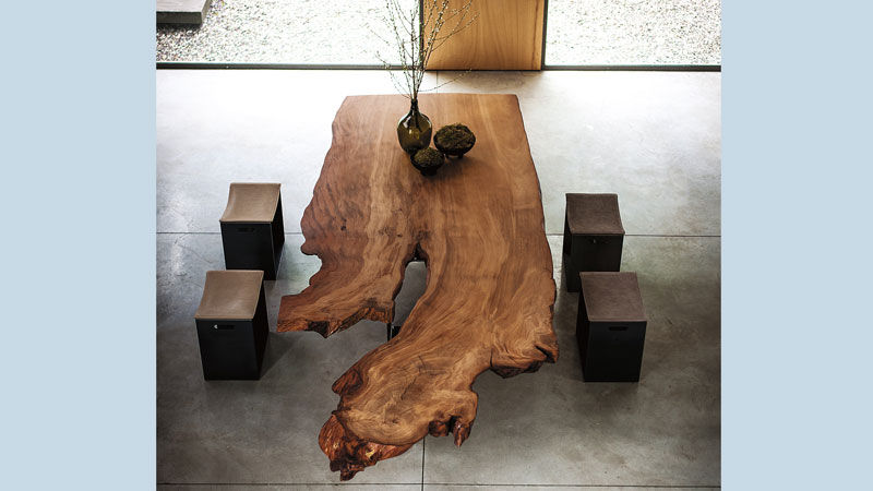 LOCATION BRESCIA | NEWTON KAURI Design CR&S Riva 1920 - BARNEY SMALL Design Terry Dwan