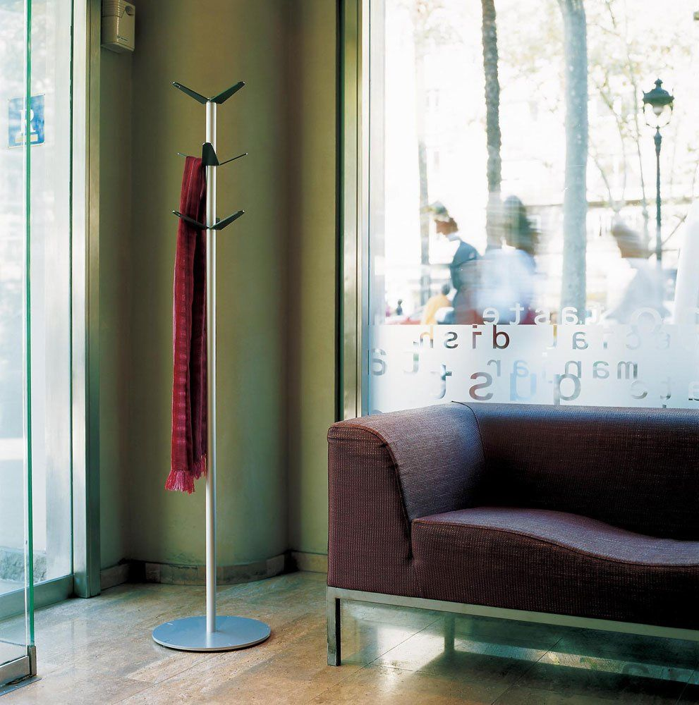 Mobles 114 Barcelona M Catalana Armchair Ona Coat Stand