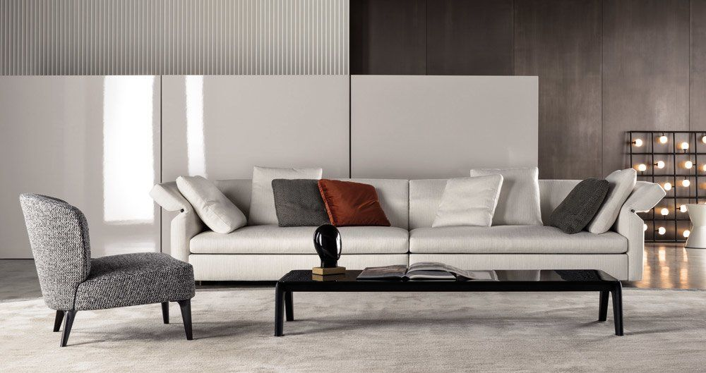 Four seater sofas sofa collar by minotti for Minotti outlet italy
