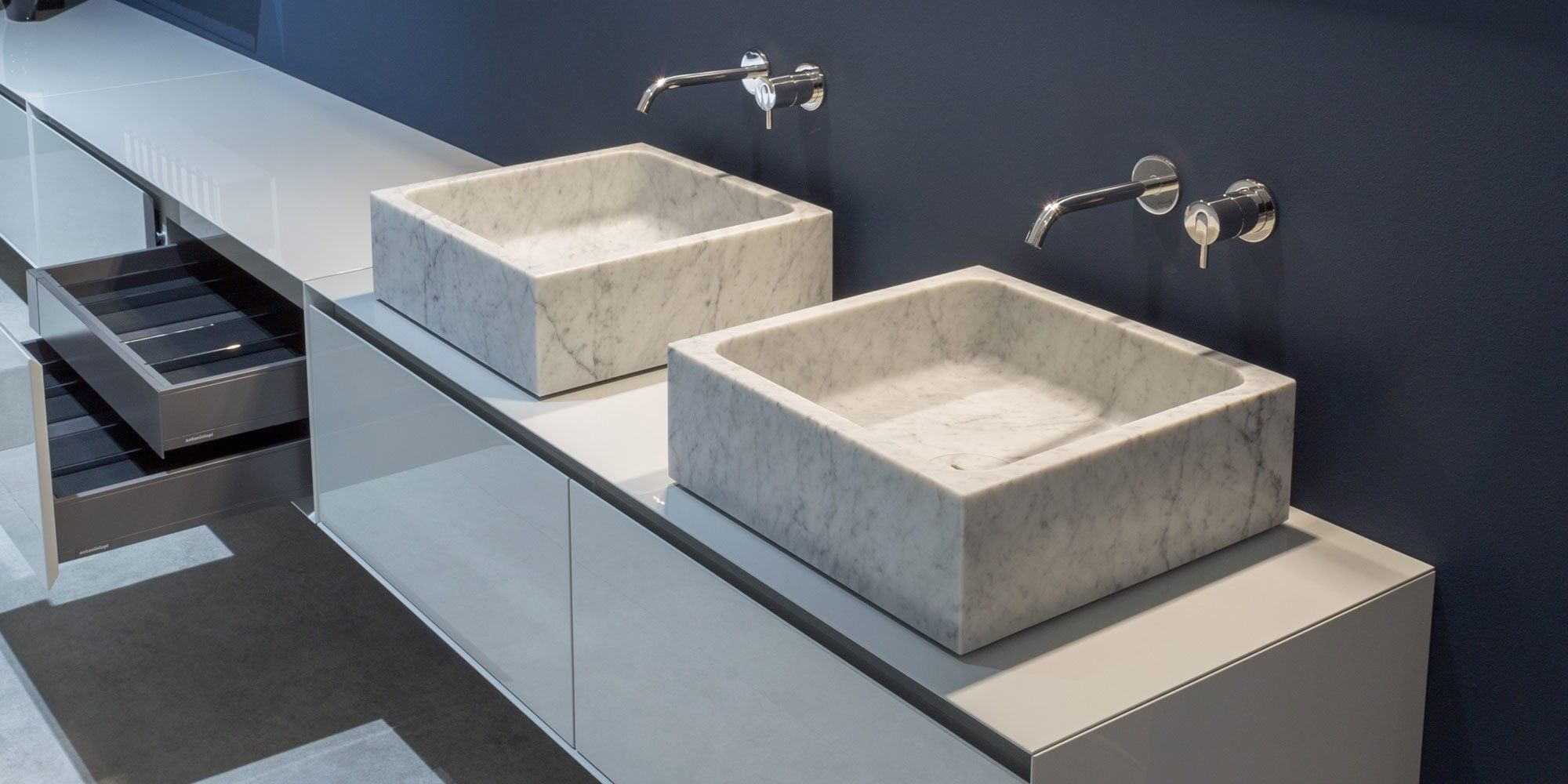 antonio lupi waschbecken waschtisch blokko designbest. Black Bedroom Furniture Sets. Home Design Ideas