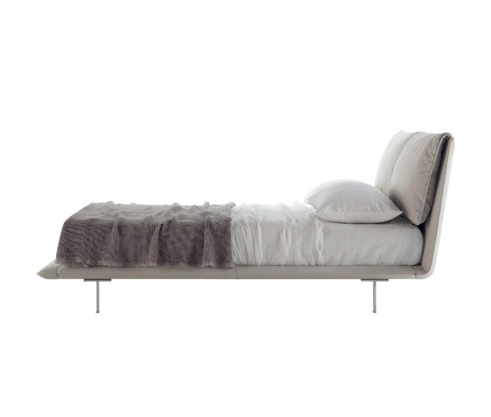 catalogue lit john john poltrona frau designbest. Black Bedroom Furniture Sets. Home Design Ideas