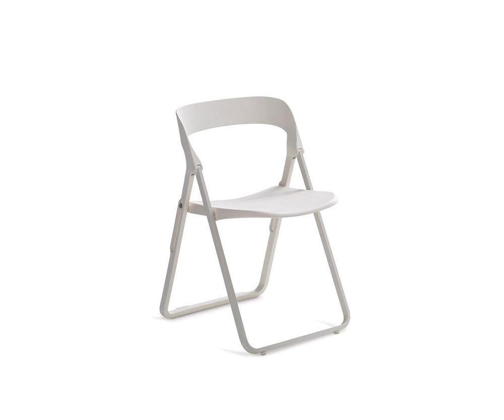 Chairs chair bek by casamania for Sedie design north america