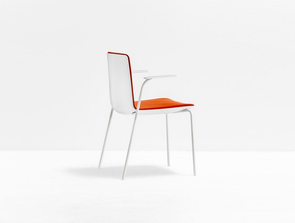 Chairs chair noa by pedrali for Sedie design north america