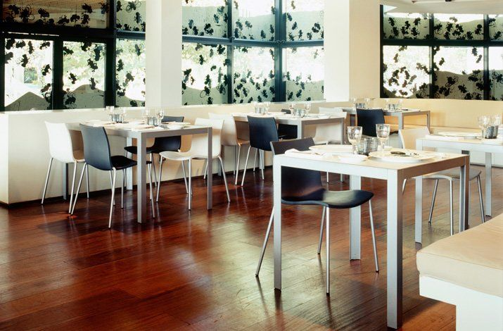 mobles 114 barcelona tische tisch pey designbest. Black Bedroom Furniture Sets. Home Design Ideas