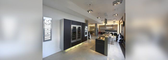 valcucine frankfurt am main frankfurt am main m belhaus. Black Bedroom Furniture Sets. Home Design Ideas