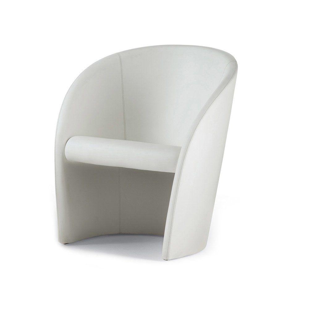 poltrona frau kleine sessel kleiner sessel intervista. Black Bedroom Furniture Sets. Home Design Ideas