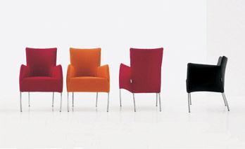 Kleiner Sessel Chiara