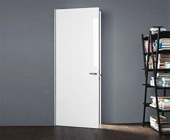 Door  Tris [a]