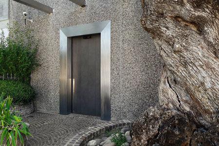 Door Vela [a]