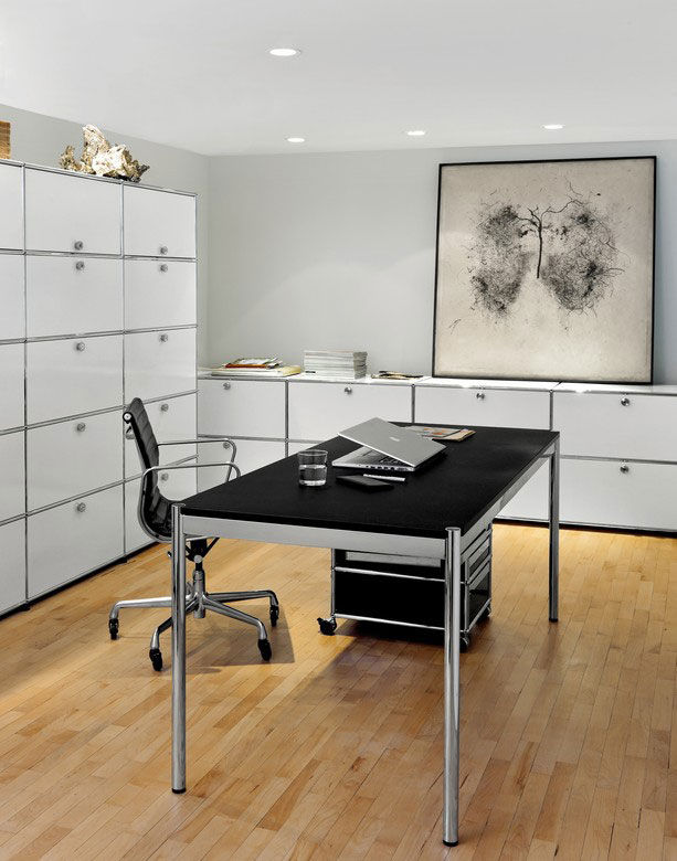 usm schreibtische und arbeitstische schreibtisch usm haller advanced designbest. Black Bedroom Furniture Sets. Home Design Ideas