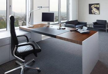 Desk Size [b]