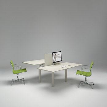 Schreibtisch I Satelliti