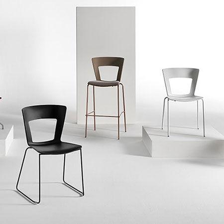 Chair Lilia