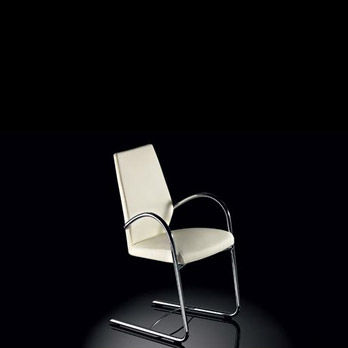 Chair Giuliotta