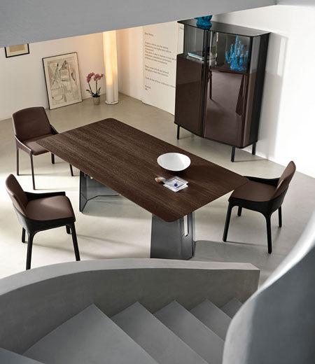 Tisch Pliè