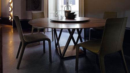 Tisch Tobu