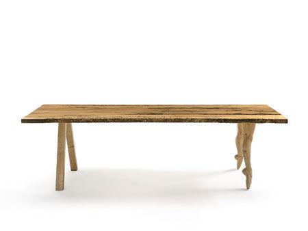 Table In Punta Di Piedi