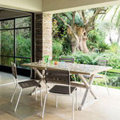 Tisch Deruta