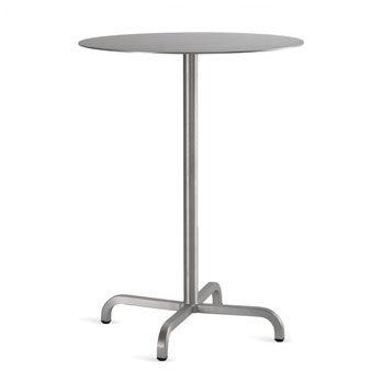 Petite table 20-06