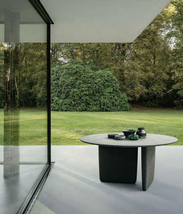 Small Table Tobi-Ishi Outdoor
