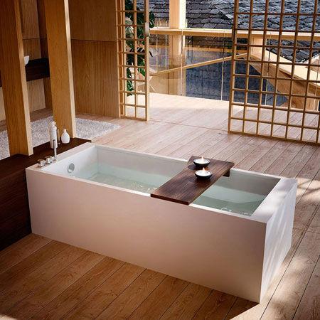 Bathtub Petra