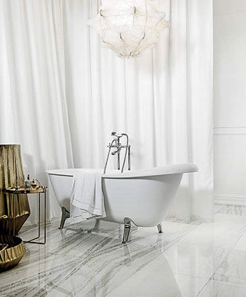 Bathtub Agorà