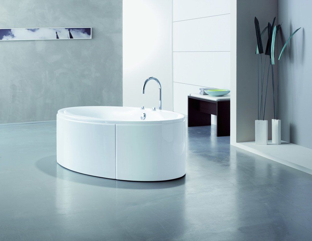 Whirlpool Bathtubs: Whirlpool Bathtub Maxi Oval by Hoesch